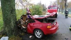 23-letni kierowca zginął na miejscu po zderzeniu z drzewem. Weekendowy raport sztumskich służb mundurowych – 17 – 24.10.2016