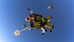 """Za sprawą """"tandemów"""" skoki spadochronowe stały się dostępne dla każdego!"""