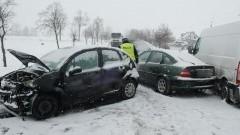 Policjanci pracowali na miejscu dwóch wypadków drogowych - 09.02.2017