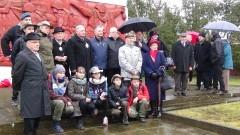 Pamiętali o żołnierzach Armii Czerwonej. Złożyli kwiaty na cmentarzu żołnierzy radzieckich w Malborku - 17.03.2017