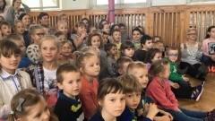 Przedszkolaki ze Stegny na występie grupy cyrkowej - 16.03.2017