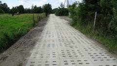 Gmina Sztum: Będą nowe kilometry dróg z płyt jumbo. Ratusz podpisał kolejne umowy – 02.08.2017