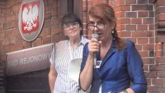 """""""Ta manifestacja jest moim krzykiem rozpaczy"""". Mieszkanka Malborka apelowała o sprawiedliwość przed sądem.– 17.08.2017"""