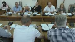 Nagrody dla uczniów i pytania o budżet. XLI sesja Rady Miasta w Nowym Stawie – 30.08.2017