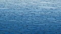 Nowodworscy policjanci ostrzegają przed wchodzeniem na lód