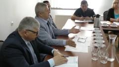 Starosta nie ma pieniędzy na remonty dróg. Radni rozmawiali też o przychodni. XXXVII sesja Rady Gminy Ostaszewo