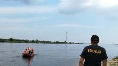 Ofiary śmiertelne kąpieli, potrącenie 12-latka, ciągnik w rowie oraz wypadki - raport nowodworskich służb mundurowych