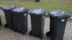 Mycie pojemników na odpady komunalne w Stegnie