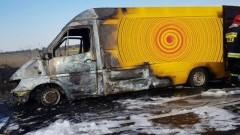 Dachowanie samochodów osobowych , samozapłon busa dostawczego i pożary, kierowcy na podwójnym gazie - tygodniowy raport sztumskich służb mundurowych