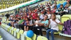 Lechia Gdańsk vs. Karpaty Lwów: Uczniowie Zespołu Szkół w Stegnie kibicowali zawodnikom na stadionie Energa Gdańsk