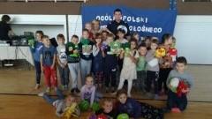 """""""Cała Polska czyta dzieciom"""": Sztumski funkcjonariusz policji z wizytą w Szkole Podstawowej nr 1"""