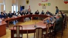Sprawdź, kto dostał się do rady powiatu. Na liście m. in. Wojciech Cymerys, Piotr Stec i Zbigniew Pędziwilk.