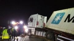 Samochód ciężarowy wpadł do rowu w na DK7