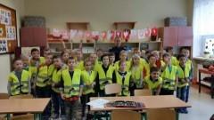 """""""Uczę się bezpieczeństwa"""" - spotkanie uczniów Zespołu Szkół w Stegnie z policją"""