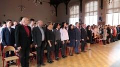 """""""Rekord dla Niepodległej"""": Wspólne odśpiewanie hymnu narodowego w malborskim I LO"""