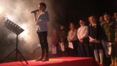 Nocne czuwanie w intencji Ojczyzny. Dzieci ze Szkoły Podstawowej w Dzierzgoniu wystąpiły z okazji setnej rocznicy odzyskania przez Polskę niepodległości