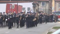 Nowostawskie obchody 100 – lecia odzyskania niepodległości przez Polskę. Biało - czerwone kwiaty pod pomnikiem i koncert chóru Lutnia z Malborka.