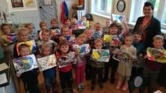 Warsztaty plastyczne dwóch grup przedszkolnych ze Szkoły Podstawowej w Lubieszewie