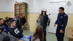 Jak zostać policjantem? Spotkanie sztumskich policjantów z uczniami.