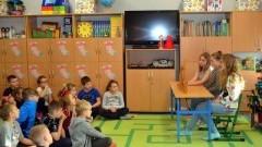 """""""Lew w Paryżu"""" teatrzyk dla II klas edukacji wczesnoszkolnej w Zespołu Szkół w Sztutowie."""