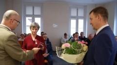 """Sztum: Złoty medal """"Za zasługi dla obronności kraju"""" dla Pani Bogusławy Brzoskowskiej."""