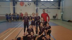 Nowy Dwór Gdański: Sukces uczennic z SP nr 2 na Mistrzostwach Powiatu w minisiatkówce dziewcząt