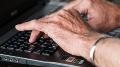 Kolejny projekt cyfrowy dla seniorów. Mieszkańcy gminy Miłoradz otrzymają za darmo tablety!