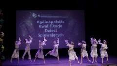 Uczennica z Mikoszewa wystąpi z zespołem na Międzynarodowym Festiwalu Piosenki i Tańca w Koninie.