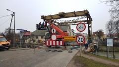 Renowacja mostu w Nowym Dworze Gdańskim. Zobacz najnowsze wideo i zdjęcia