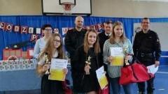 """I miejsce uczennicy ZS Stegna w Turnieju Wiedzy Pożarniczej """"Młodzież zapobiega pożarom"""""""