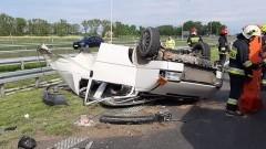 Auto osobowe uderzyło w busa na S7. Jedna osoba poszkodowana.