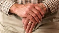 Fałszywe pracownice ZUS okradły z oszczędności 81-latka.