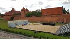 World Tour Malbork - Puchar Świata w Siatkówce Plażowej. Pod Zamkiem wysypano prawie 281 ton piasku