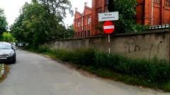 """Mieszkaniec: Chyba nie tak powinny wyglądać """"tereny zielone"""" w Malborku?"""