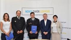 Ochotnicy z nowodworskiej gminy z nowym sprzętem strażackim.