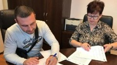 """"""" Edukacja przedszkolna w Mikoszewie – bliska, powszechna i przyjazna"""" - podpisanie umowy na roboty budowlane"""