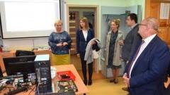 Wizyta monitorująca przedstawicieli Komisji Europejskiej i Urzędu Marszałkowskiego realizację projektów unijnych w Zespole Szkół w Nowym Dworze Gdańskim.