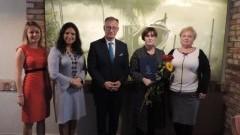 Wręczono nagrody Starosty Nowodworskiego dla nauczycieli.