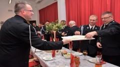 Opłatkowe spotkanie strażaków z włodarzami powiatu nowodworskiego.