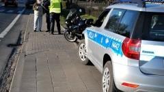 Motocyklista z obrażeniami ciała trafił do szpitala.