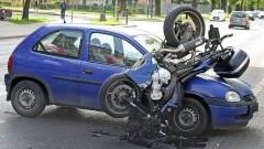 W wyniku zderzenia osobówki z motocyklem poszkodowana została jedna osoba – raport nowodworskich służb mundurowych.