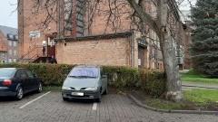Mistrz (nie tylko) parkowania na Placu Słowiańskim w Malborku.