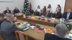 Budżet Nowego Stawu przyjęty. Radni w części uroczystej podzielili się opłatkiem. XVII Sesja Rady - 22.12.2015