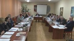 Radny Pskiet pyta: Prezes jest na urlopie, chciałbym się dowiedzieć czy samochód też jest na urlopie.. Radni debatowali o ZGKiM oraz o przyszłości elektrowni wiatrowych podczas XV sesji Rady Miejskiej w Dzierzgoniu – 18.02.2016