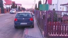 Brak miejsca na parkowanie? To nie problem, to wyzwanie. Mistrzowie(nie tylko)parkowania na Kochanowskiego w Malborku - 25.02.2016