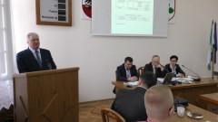 Burmistrz podsumował zeszłoroczne inwestycje. XIX sesja Rady Miejskiej w Nowym Stawie – 22.03.2016
