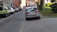 Mandat za złe parkowanie? Mistrzowie(nie tylko)parkowania na Żeromskiego w Malborku - 07.04.2016