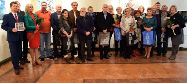 """Malborscy artyści zapraszają na wystawę """"PREZENTACJA sztuk wszelkich"""