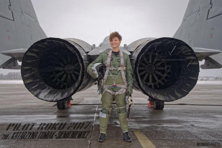 Por. Katarzyna TOMIAK-SIEMIENIEWICZ została wyróżniona tytułem Pilota Roku w 22. Bazie Lotnictwa Taktycznego
