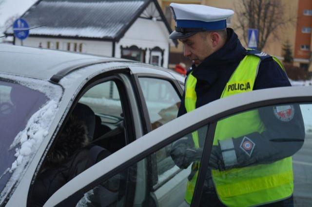 10 wykroczeń, 9 mandatów karnych i jeden kierowca pod wpływem środków odurzających - raport nowodworskiej drogówki